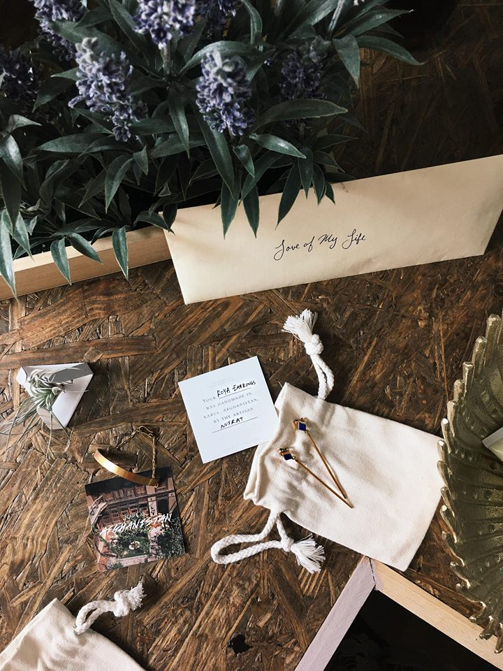 All in the details with Artisan & Fox - World Threads Traveler / Cait Bagby