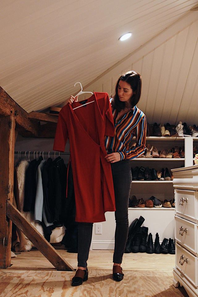 Sustainable Closet / Walk In Closet / World Threads Traveler